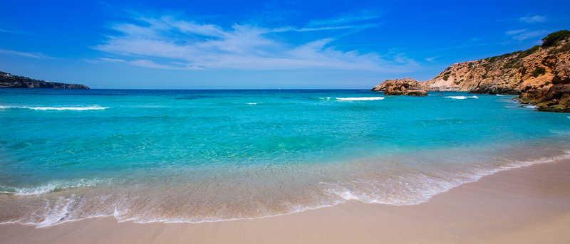 Disfruta tus vacaciones en Ibiza!